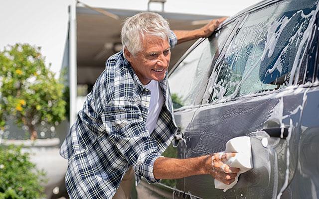 Čiščenje zunanjosti avtomobila
